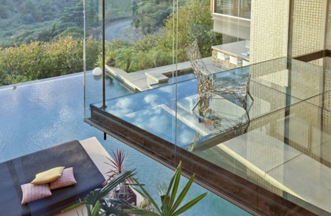 glass-floor-665x435
